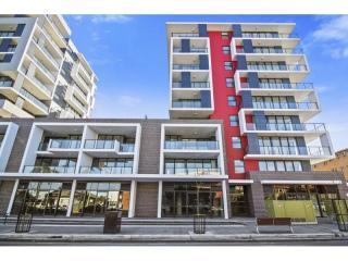View profile: Ultra-modern Split level Apartment