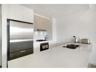 View profile: STUNNING APARTMENT LOCATED IN THE HEART OF THE CBD!!!