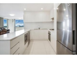 View profile: SPACIOUS TWO BEDROOM APARTMENT!!!