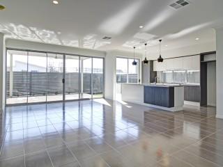 View profile: Deluxe Contemporary Home