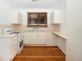 View profile: Neat and tidy 2 bedroom unit close to the beach