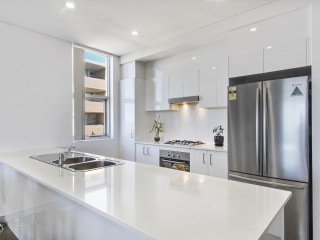 View profile: Stunning Apartment Located in the heart of the CBD!!!!!