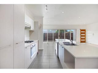 View profile: IDEALLY LOCATED THREE BEDROOM HOME!!!