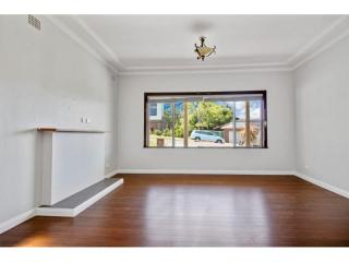 View profile: Newly Renovated Family Home at Figtree for Rent!
