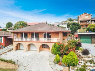 View profile: Big on Value Five Bedroom Home With Views