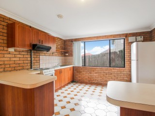 View profile: Spacious Two Bedroom Apartment!!