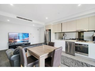 View profile: STUNNING ONE BEDROOM APARTMENT!!!